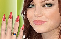 Emma Stone's Nagels