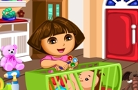 Dora Bébé Slacking Caring