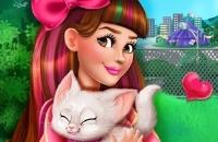 Victoria Adopteert Een Kitten
